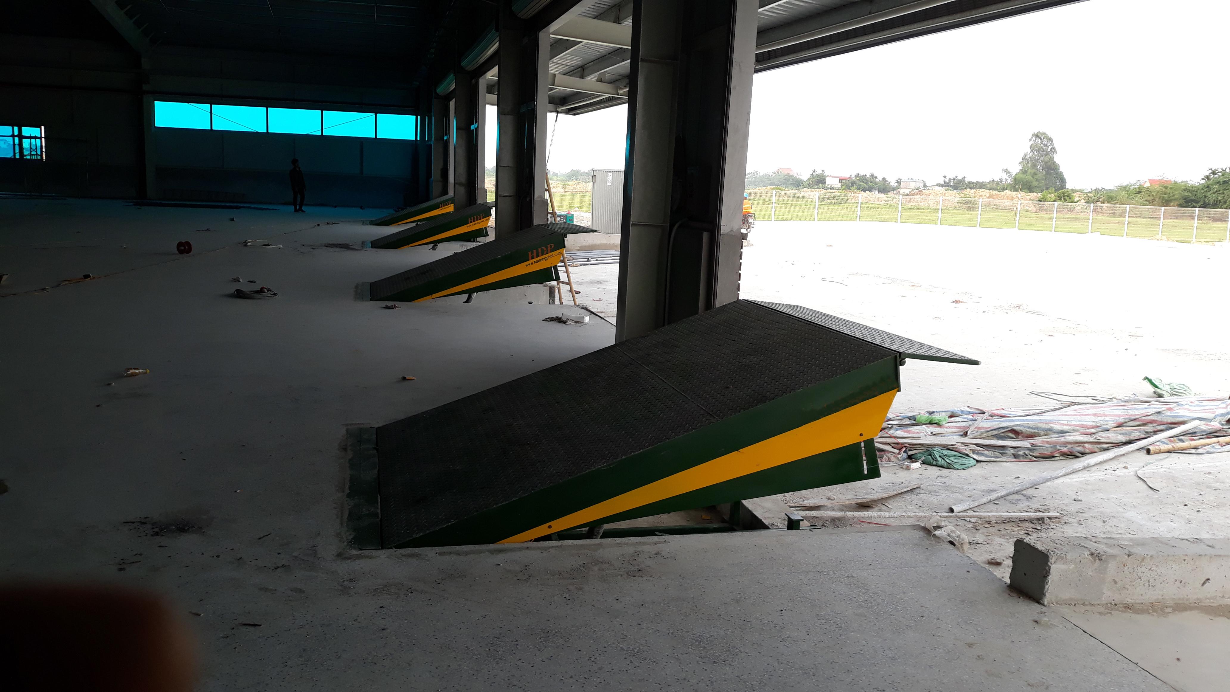 Sàn nâng thủy lực là gì? Có bao nhiêu loại sàn nâng thủy lực?