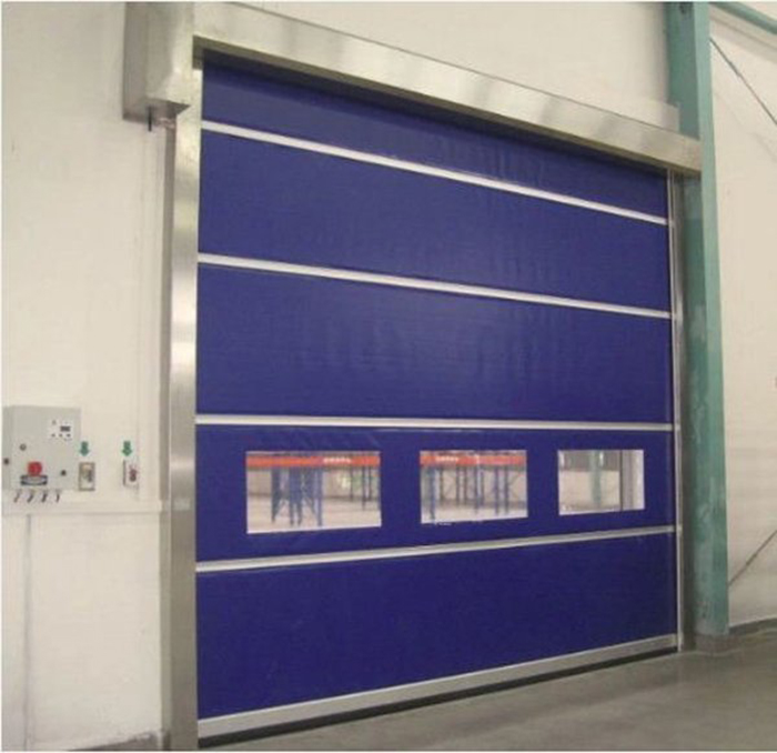 Tại sao nên lắp đặt cửa cuốn tốc độ cao trong kho lạnh?