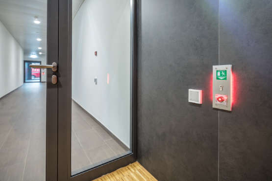 cửa mở tự động