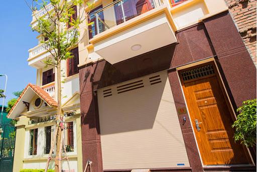 Chọn mua cửa cuốn tốc độ cao tại Huyện Bình Chánh cần chú ý điểm gì?