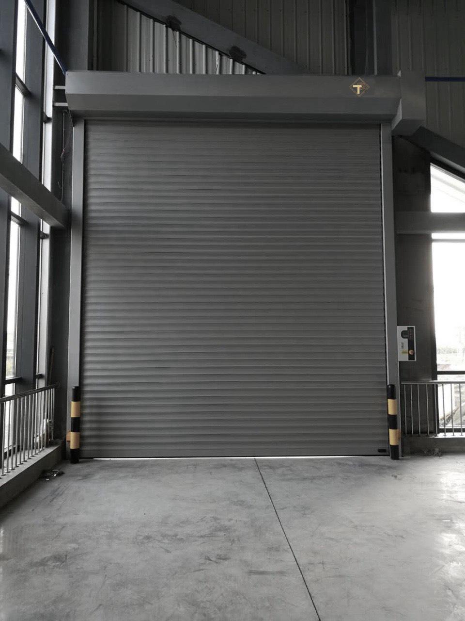 Sửa chữa lắp đặt cửa cuốn nhà xưởng: Địa chỉ nào uy tín và bảo hành thế nào sau sửa chữa?